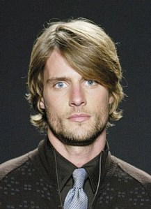 Short Hairstyle for Men with Oval Faces
